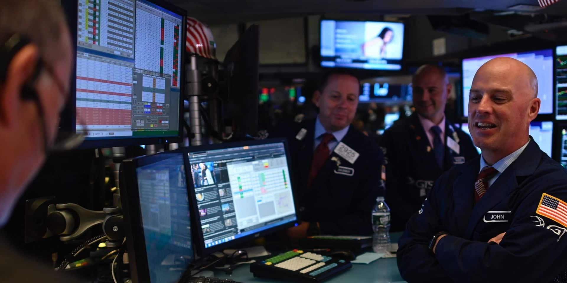 Wall Street en net repli, assommée par le ralentissement de l'activité manufacturière américaine