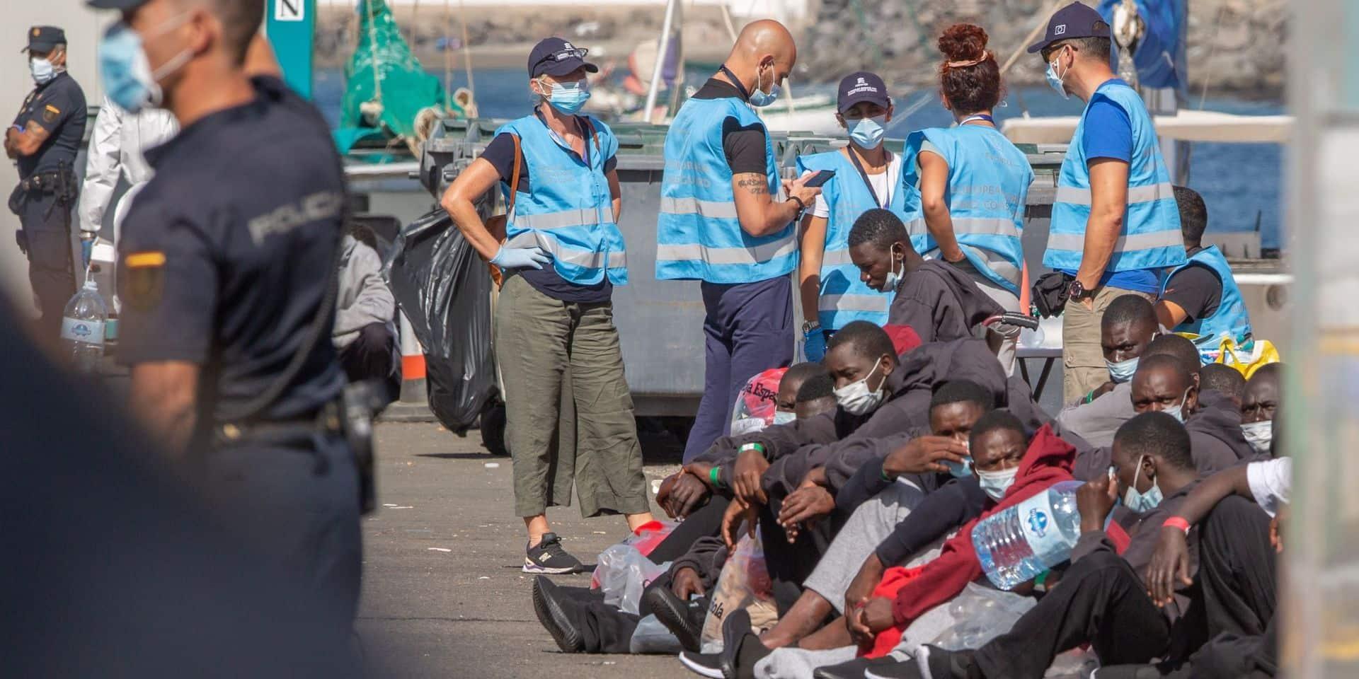 """Grande Canarie, l'île touristique devenue symbole du chaos migratoire: """"Depuis octobre, l'augmentation des traversées est spectaculaire"""""""