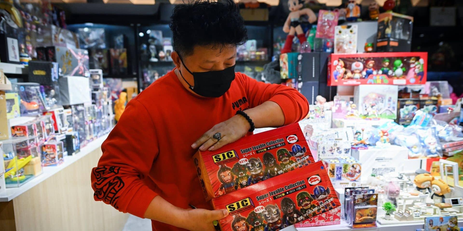 """Qu'est-ce que les """"blind box"""", ces boîtes mystère qui s'arrachent à prix d'or en Chine ?"""