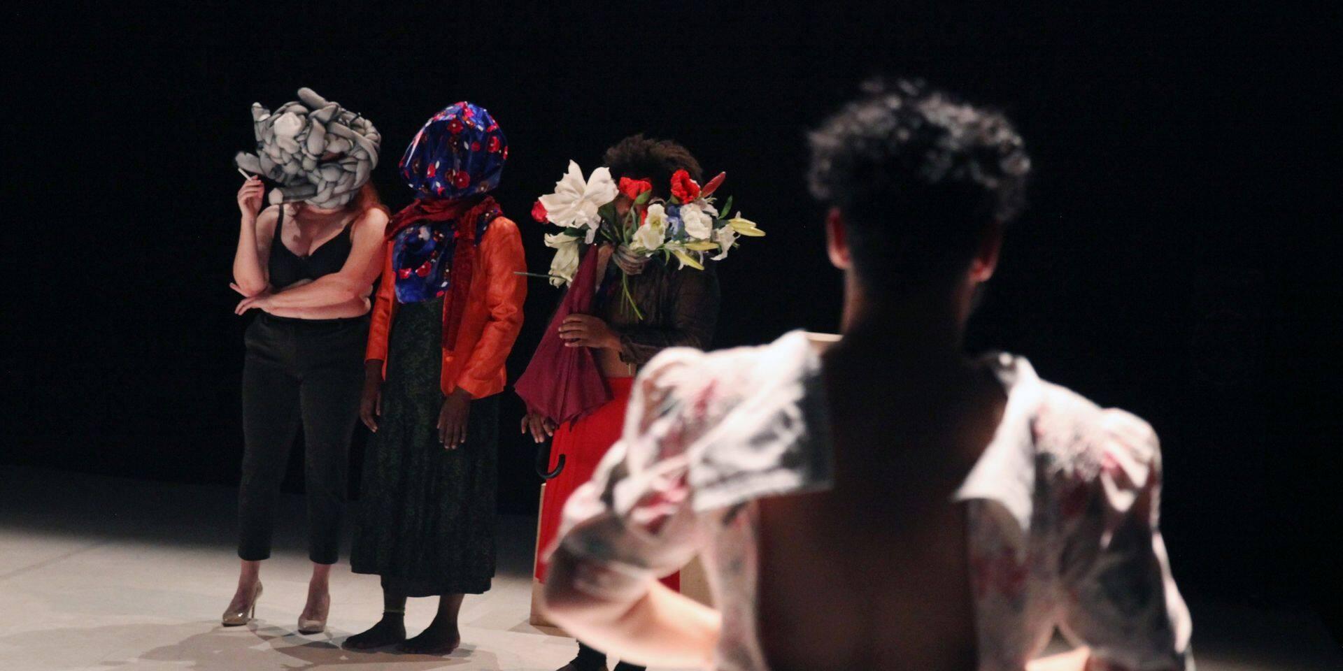 """""""Botero en Orient"""", danse en relief"""