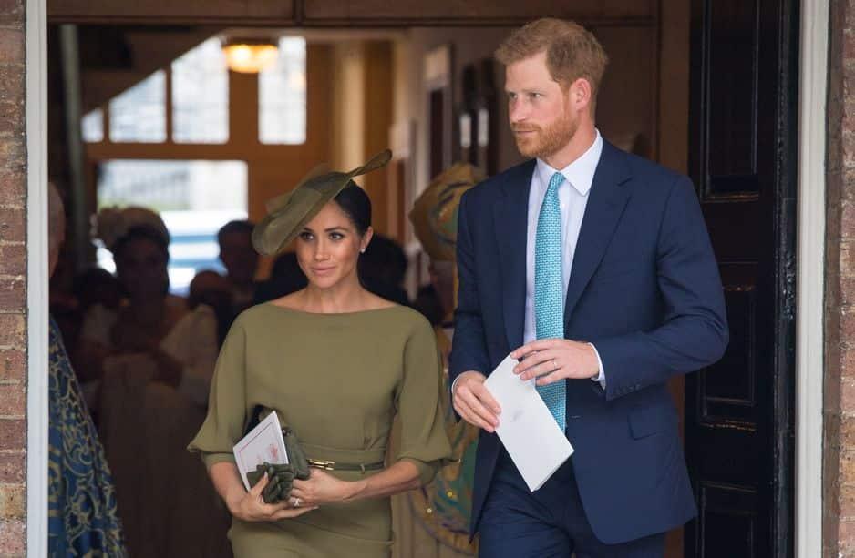 Le prince Harry et Meghan Markle très élégante en kaki.