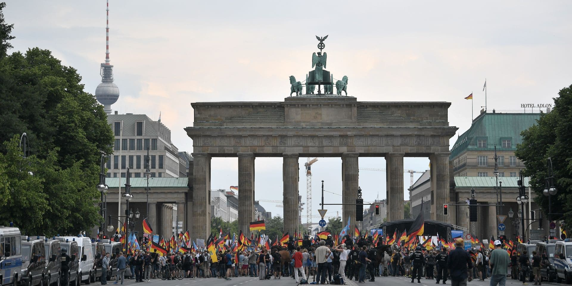 Berlin sous tension en raison de manifestations de partisans et d'opposants à l'extrême-droite