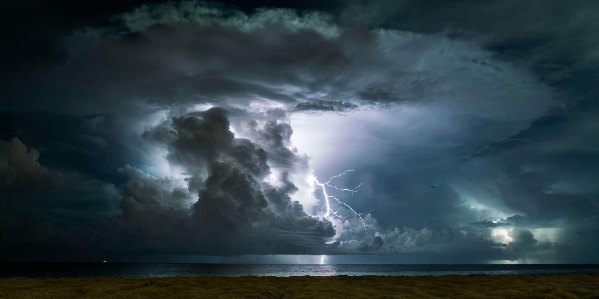 Météo: jusqu'à 32° ce vendredi, des orages à prévoir avant le retour de la pluie