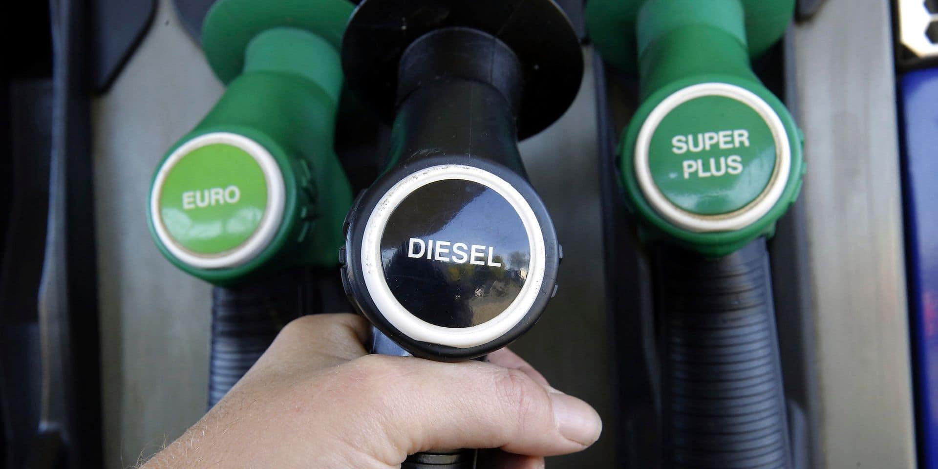 La chute des prix pétroliers, une bonne nouvelle pour le consommateur?