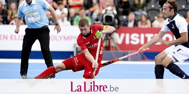 20150822 - LONDON, UNITED KINGDOM: Belgium's John-john Dohmen pictured in action during a hockey game between France and Belgium's Red Lions at the men's EuroHockey Championships 2015 during the Group stage of group B, Saturday 22 August 2015, in London, United Kingdom. BELGA PHOTO DIRK WAEM
