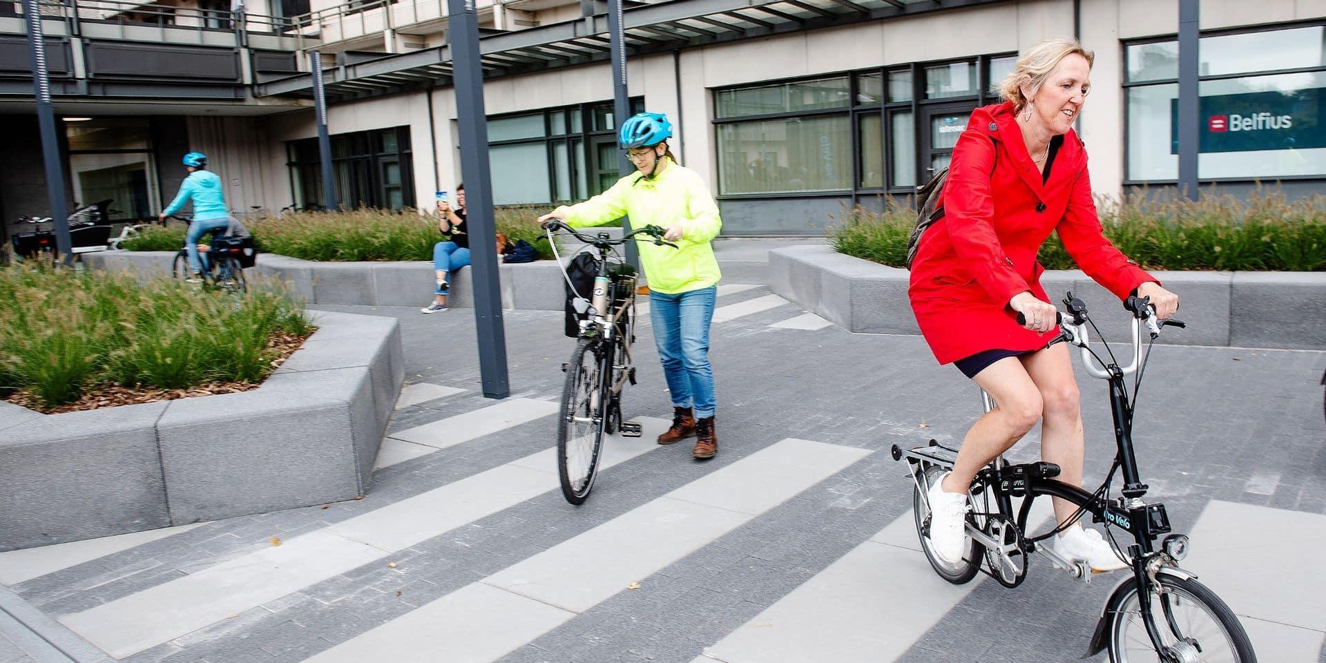 Penser la mobilité à Bruxelles aussi en fonction des réalités des femmes, ça veut dire quoi concrètement?