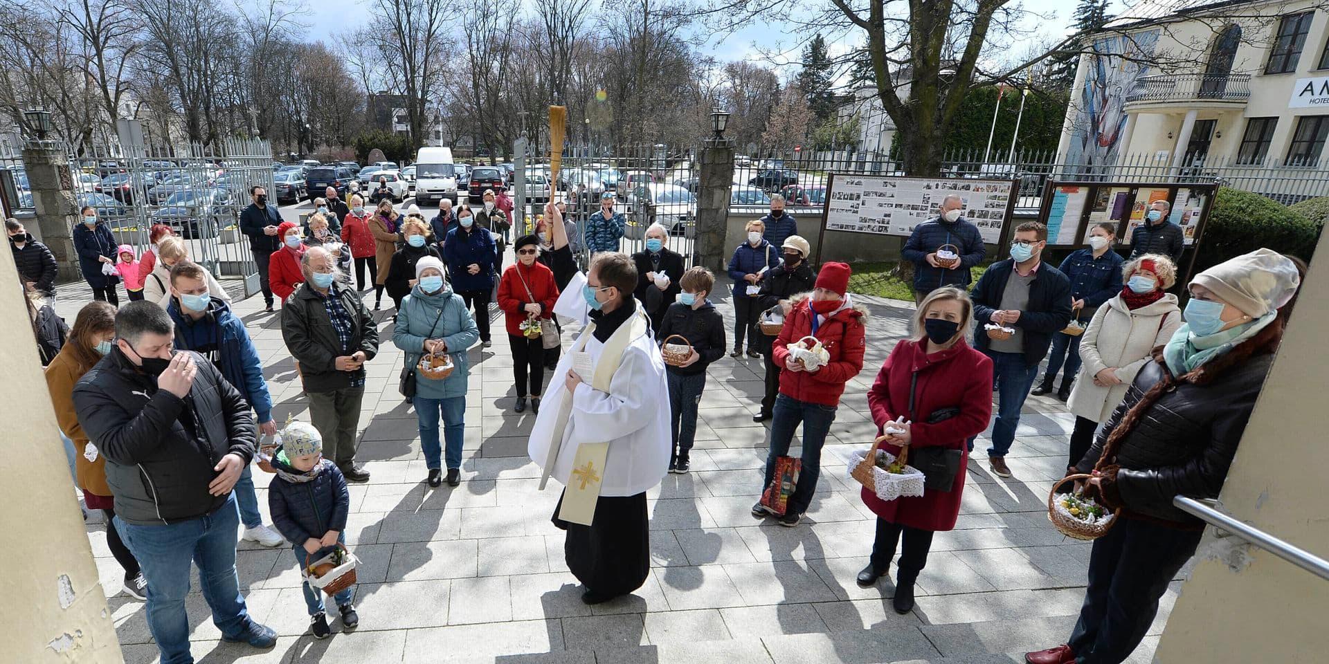 En Pologne, une vague d'apostasie frappe l'Église en crise