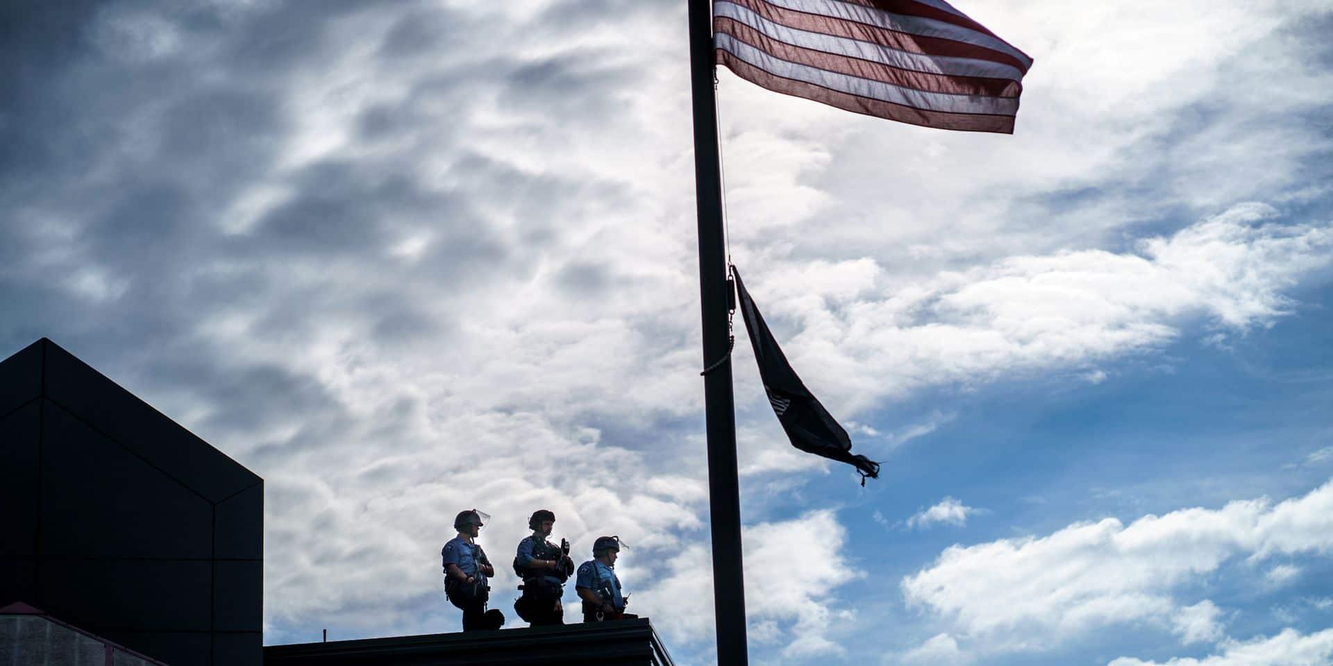 """La militarisation de la police américaine pose question: """"De nombreux services s'équipent comme s'ils partaient à la guerre"""""""