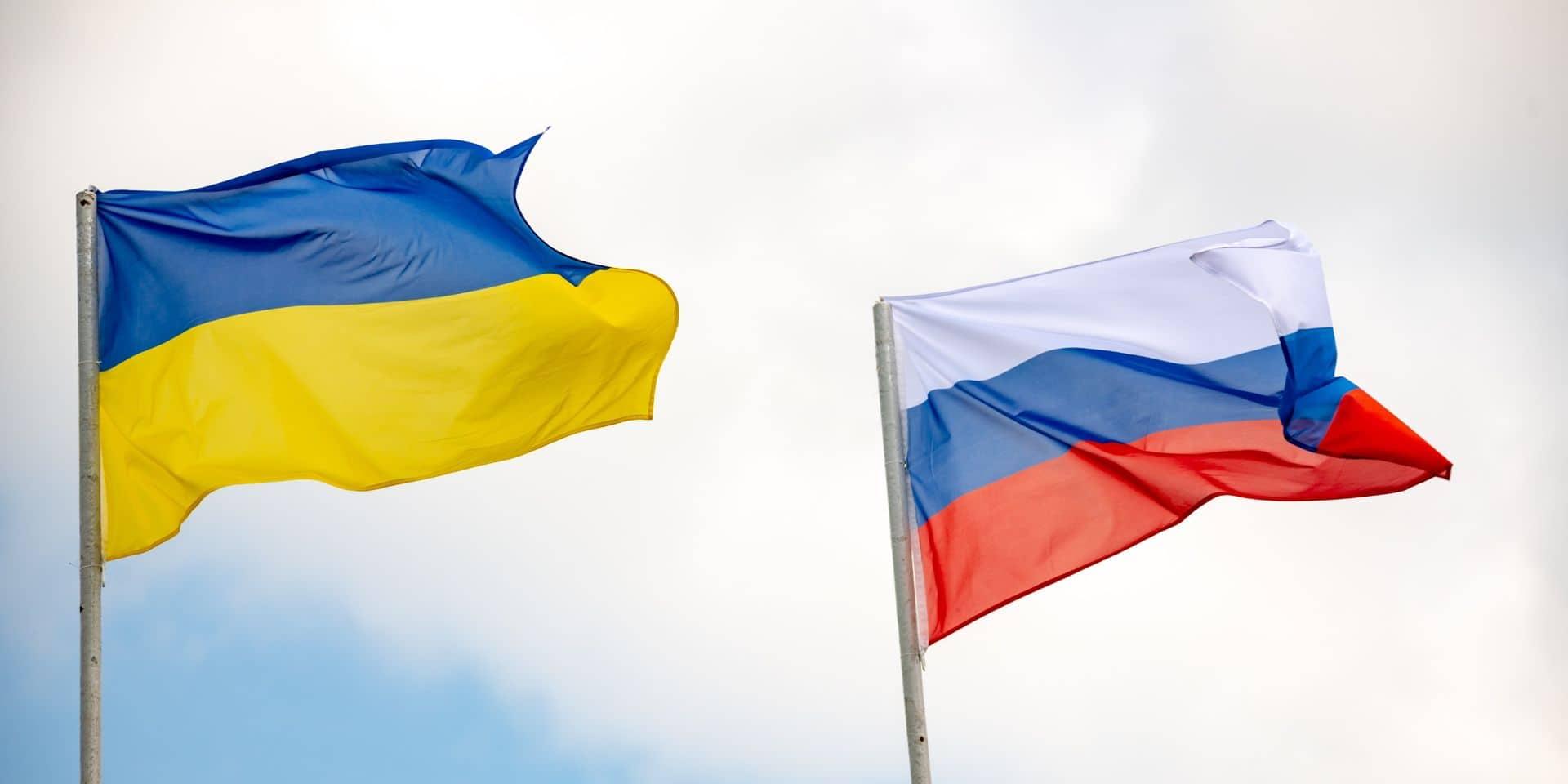 La tension monte entre la Russie et l'Ukraine: Kiev réplique et annonce l'expulsion d'un diplomate russe