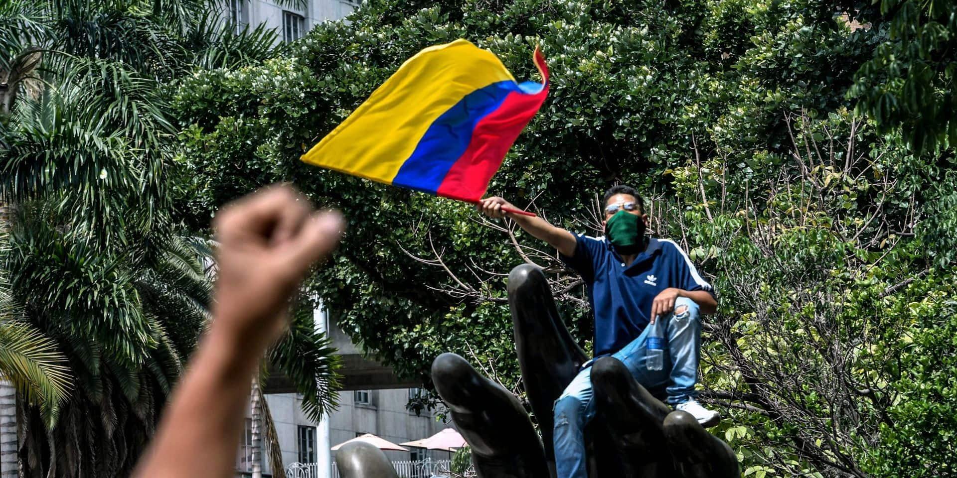 """Colombie: le président annonce une """"modernisation"""" de la police"""