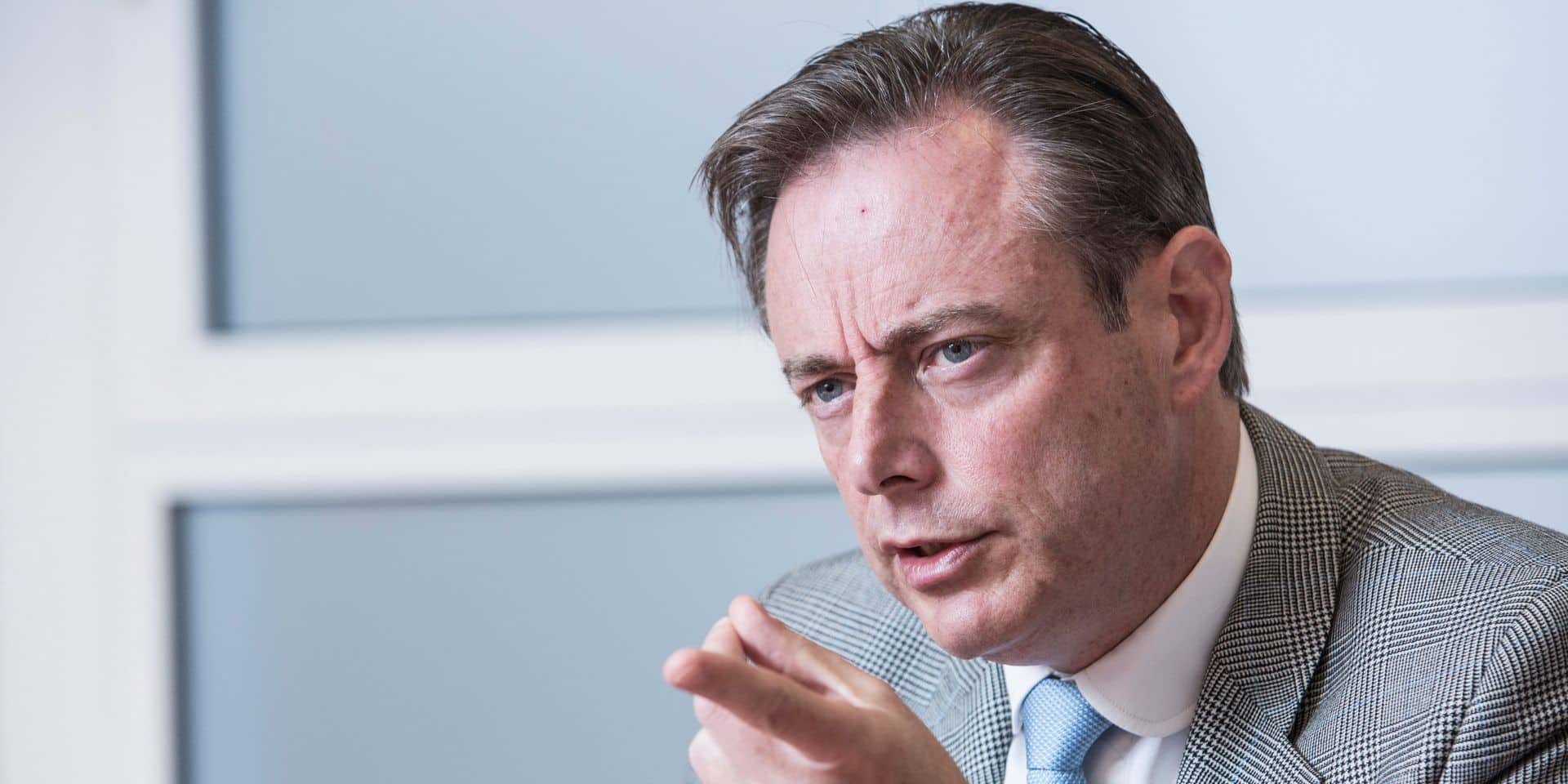 """Bart De Wever: """"Ce n'est qu'ainsi que nous pouvons donner aux Flamands et aux francophones ce à quoi ils ont droit"""""""