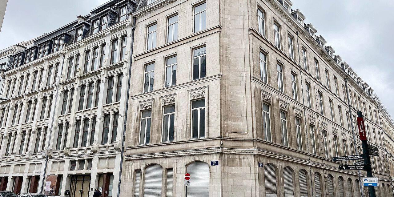 Bruxelles: l'immeuble des rues du Marais et des Sables sera démoli