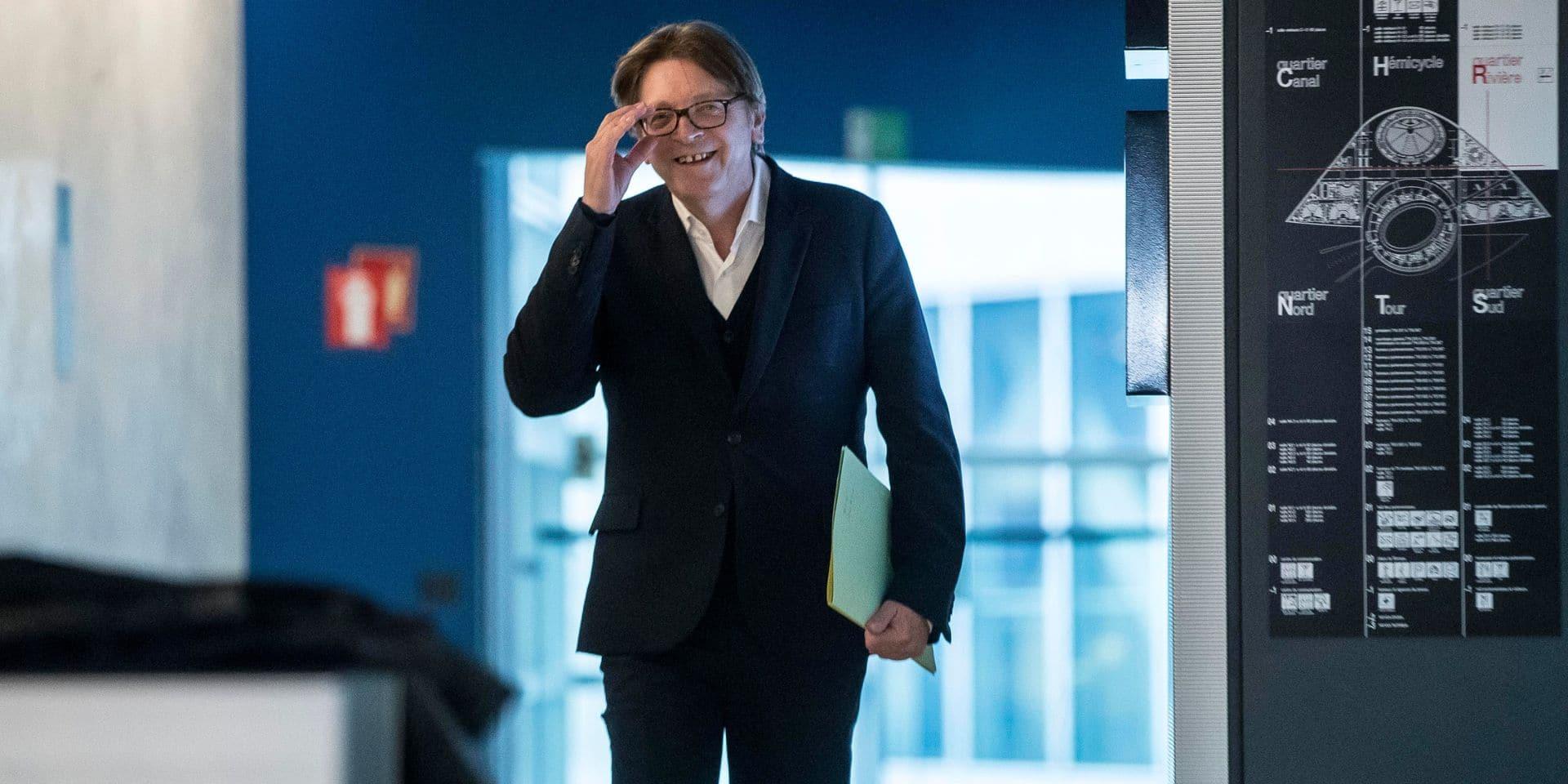 """Verhofstadt ironise à propos du Brexit: """"Soulagé que personne ne soit mort dans un fossé"""""""