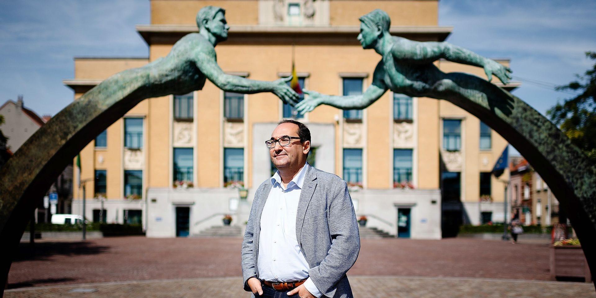 Bruxelles - Koekelberg: Ahmed Laaouej (PS) - Bourgmestre de la commune de Koekelberg et Chef du groupe parlementaire PS à la Chambre des représentants