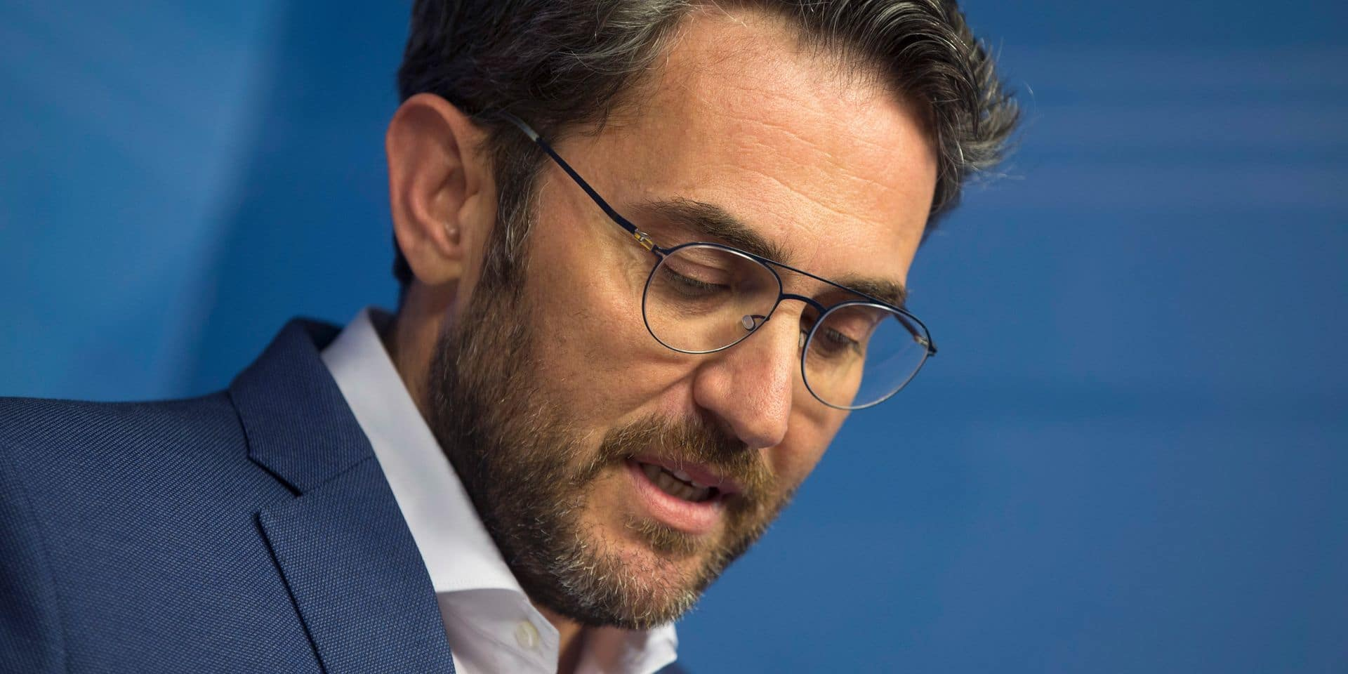 Une semaine après la formation du gouvernement espagnol, un ministre démissionne à cause d'ennuis avec le fisc
