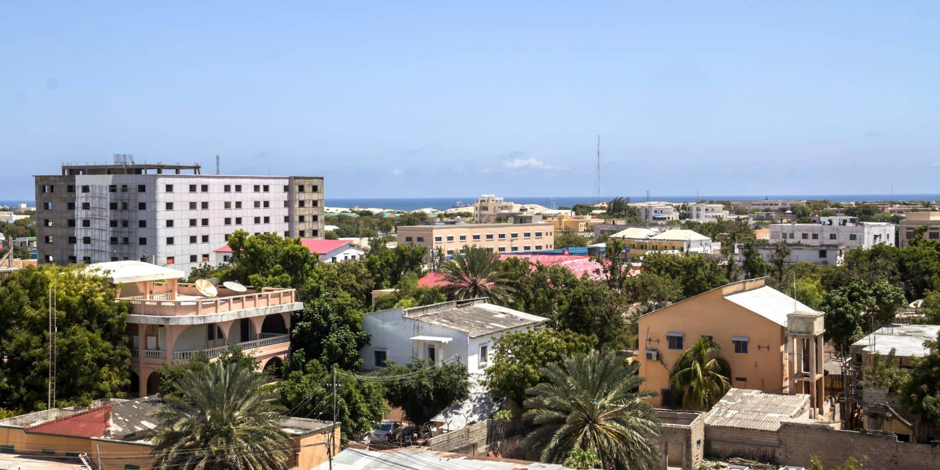 Au moins neuf morts dans l'attaque d'un hôtel à Mogadiscio