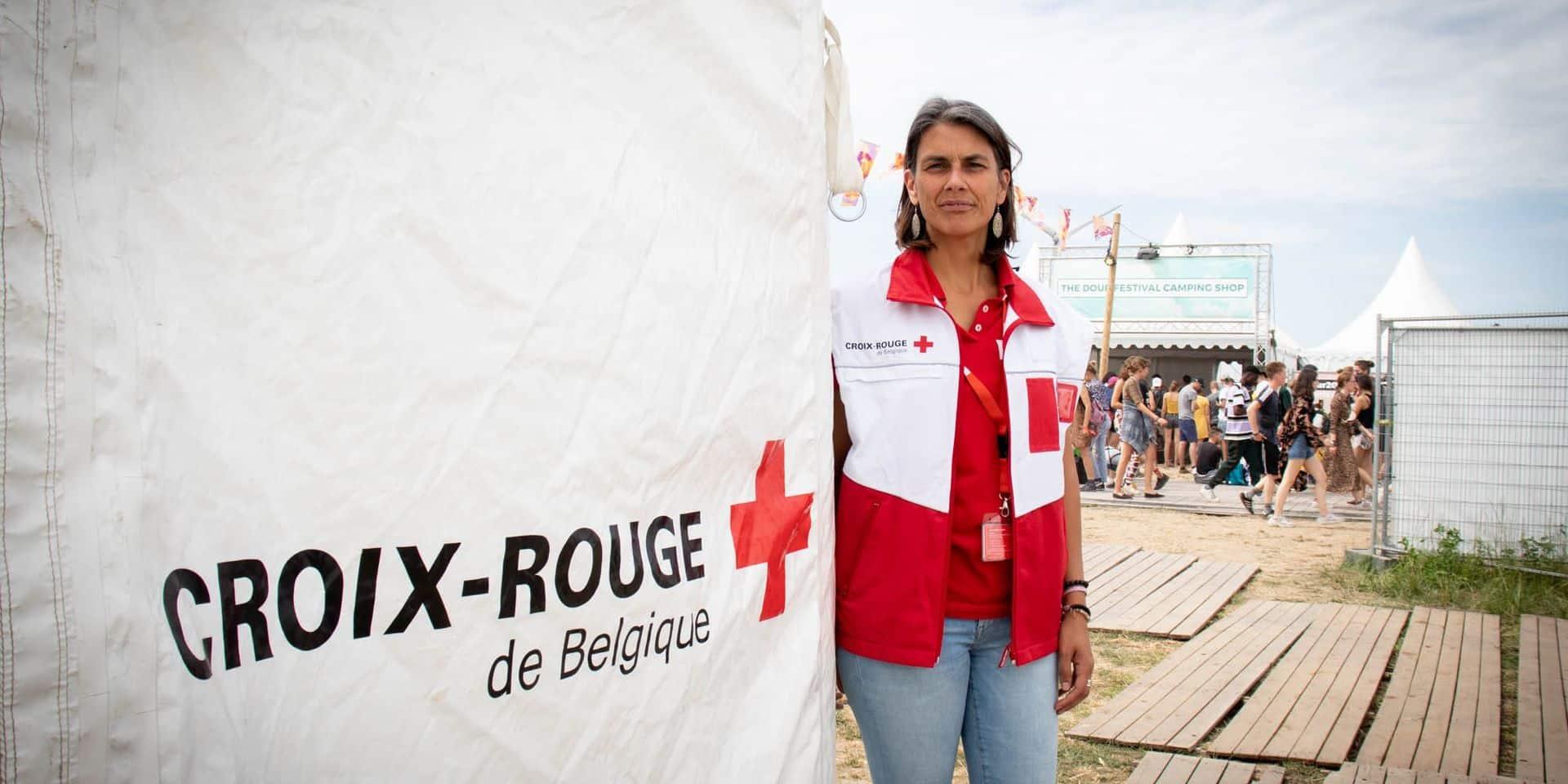 Pour que la fête reste la fête, les services de secours sont mobilisés en nombre sur le site du festival de Dour. Cette année encore, la Croix-Rouge de Belgique a déployé sur le terrain 130 secouristes qui veuillent à la sécurité et à la prise en charge des festivaliers qui le nécessiterait, de jour comme de nuit.