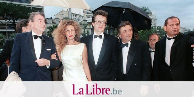 "Picture taken 17 May 1987 for the presentation of the film ""Les Ailes du Désir"", 17 May 1987 during the International Film Festival in Cannes, French Riviera, of photo director Henri Alekan (L), actress Solveig Dommartin (2ndL), former companion of German film director Wim Wenders (C). Solveig Dommartin, died 11 January 2007 in Paris aged 48, after an heart attack, her relatives said 19 January 2007. (4thL) is US Peter Falk. AFP PHOTO FILES (Photo by AFP)"