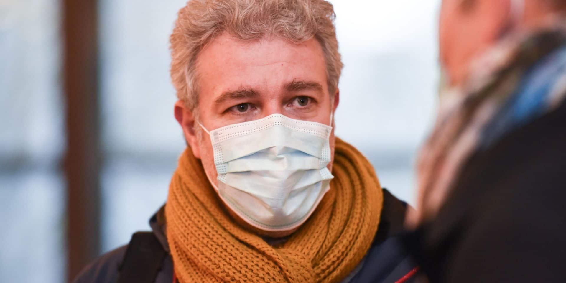 Le parlement bruxellois délimite le contrôle du respect de la quarantaine par les communes