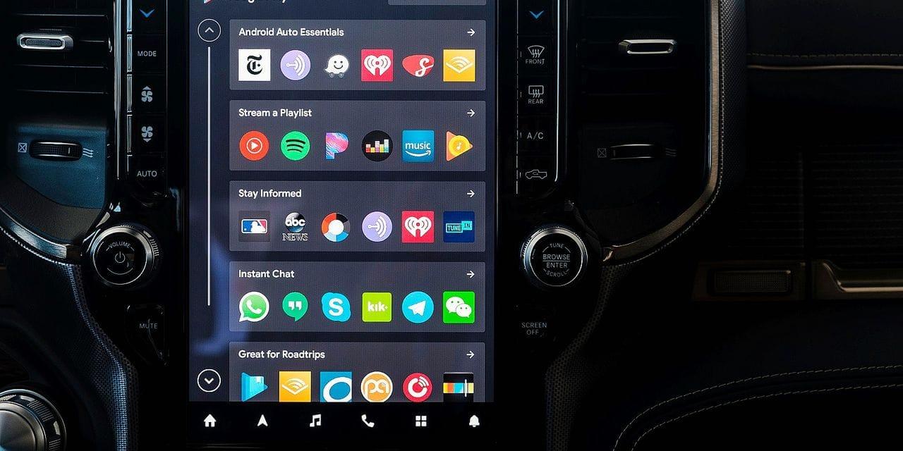 Dans un futur proche, votre voiture va devenir un véritable smartphone sur roues