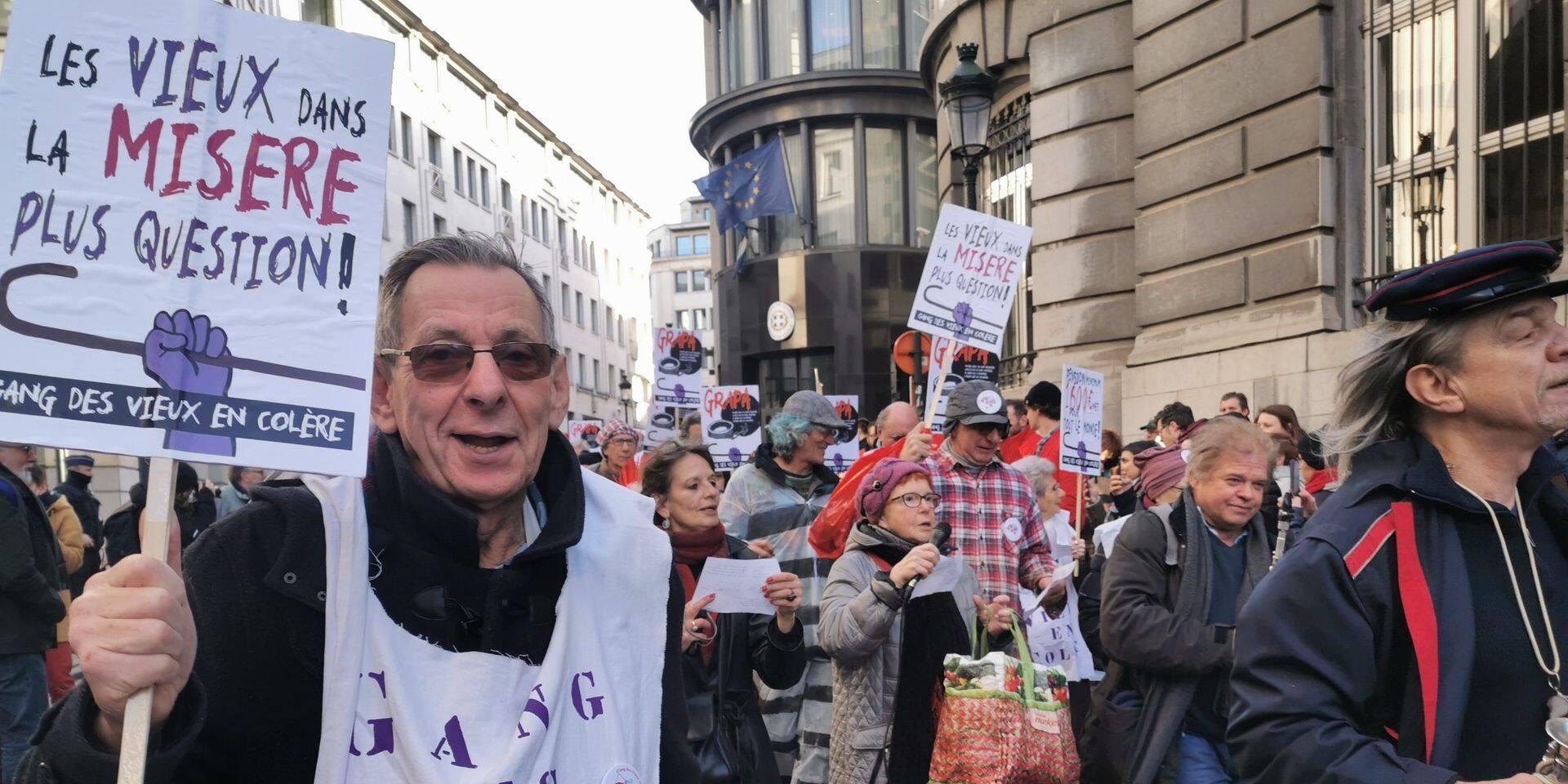 Le Gang des vieux en colère et d'autres associations avaient manifesté à Bruxelles le 17 février contre la procédure de contrôle des bénéficiaires de la Grapa par les facteurs.