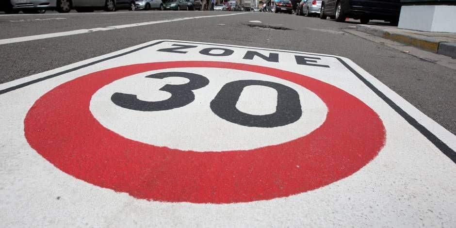 """Zone 30 à Bruxelles: """"Comment apprendre à conduire sans jamais passer la 3ème ?"""""""