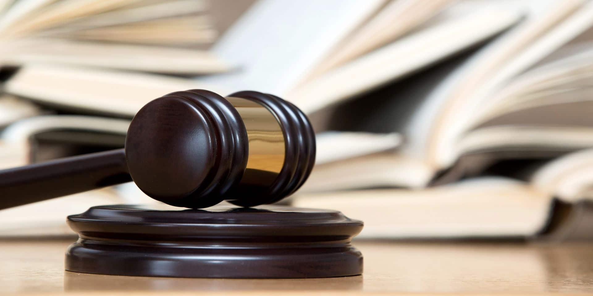 Croquis de justice: le trafic de drogue pour seul horizon