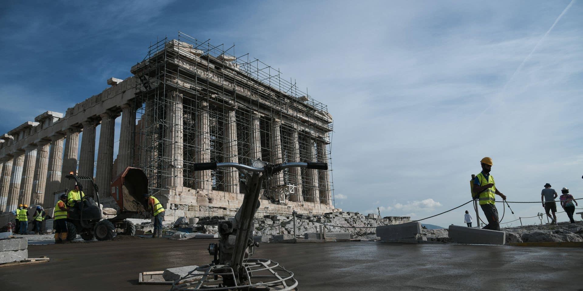 Akropolis-Hügel wird rollstuhlfreundlich: Arbeiter auf Griechenlands Hauptsehenswürdigkeit, der Akropolis in Athen, err