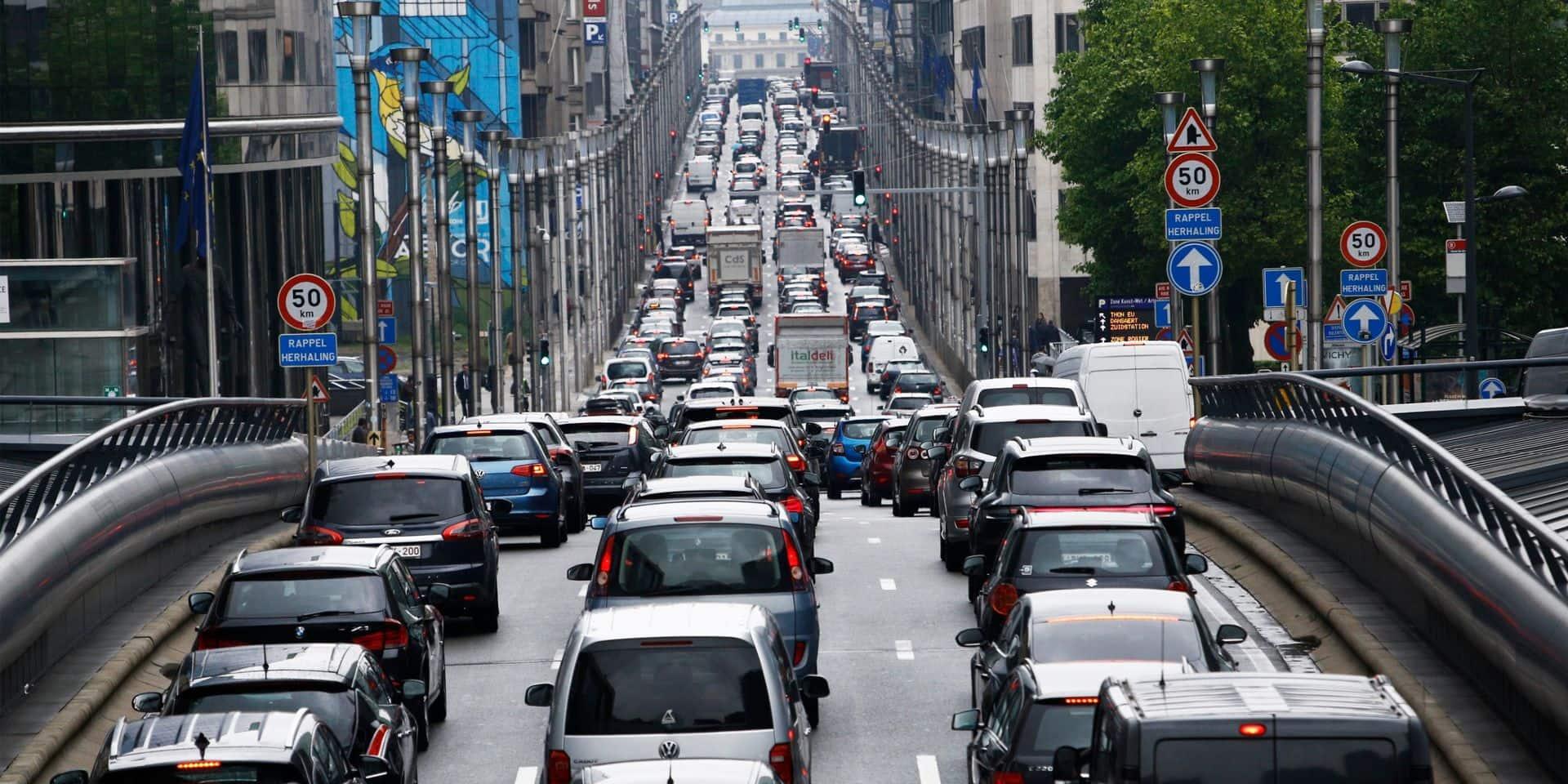 La Belgique aurait touché 21,4 milliards d'euros dans ce segment en 2019, pour une moyenne de 3 187 euros par véhicule.