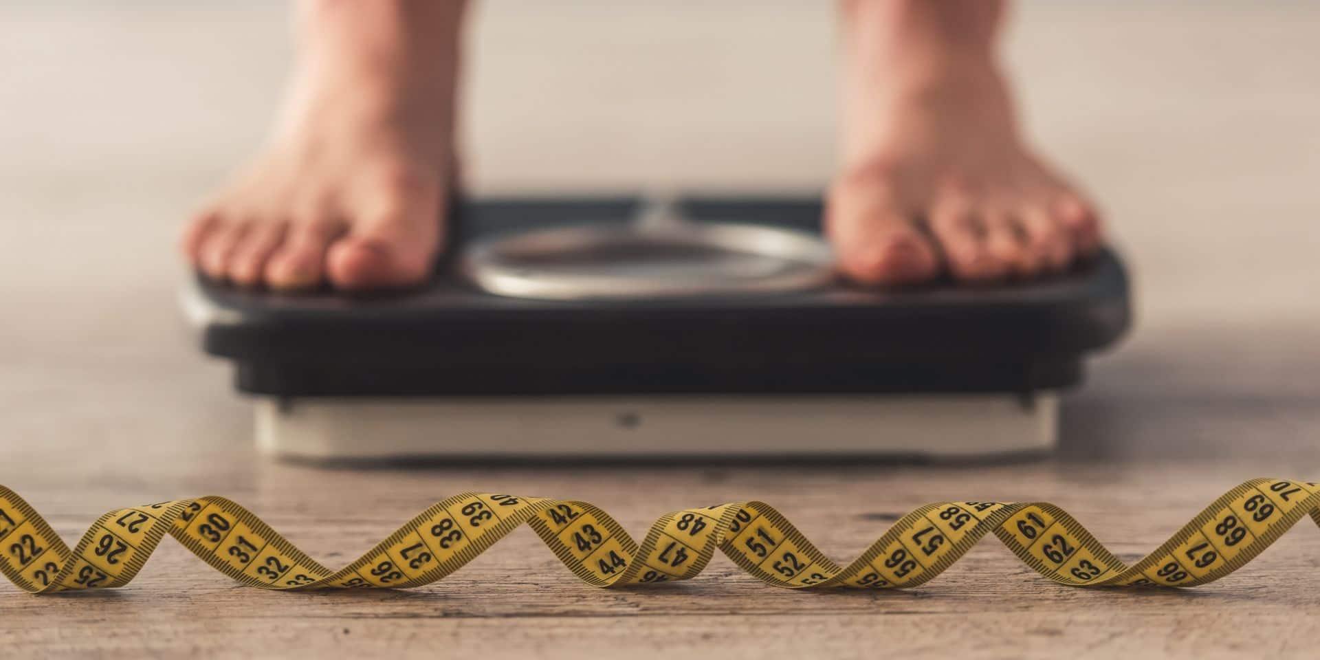"""Une personne sur cinq a pris des """"kilos corona"""" au cours de l'année 2020"""