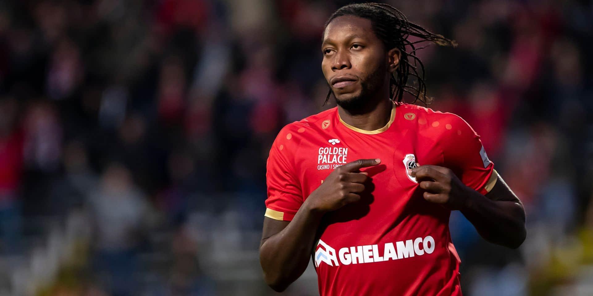 """Mbokani à propos de sa prolongation à l'Antwerp: """"Anderlecht et le Standard ne m'ont pas appelé"""""""