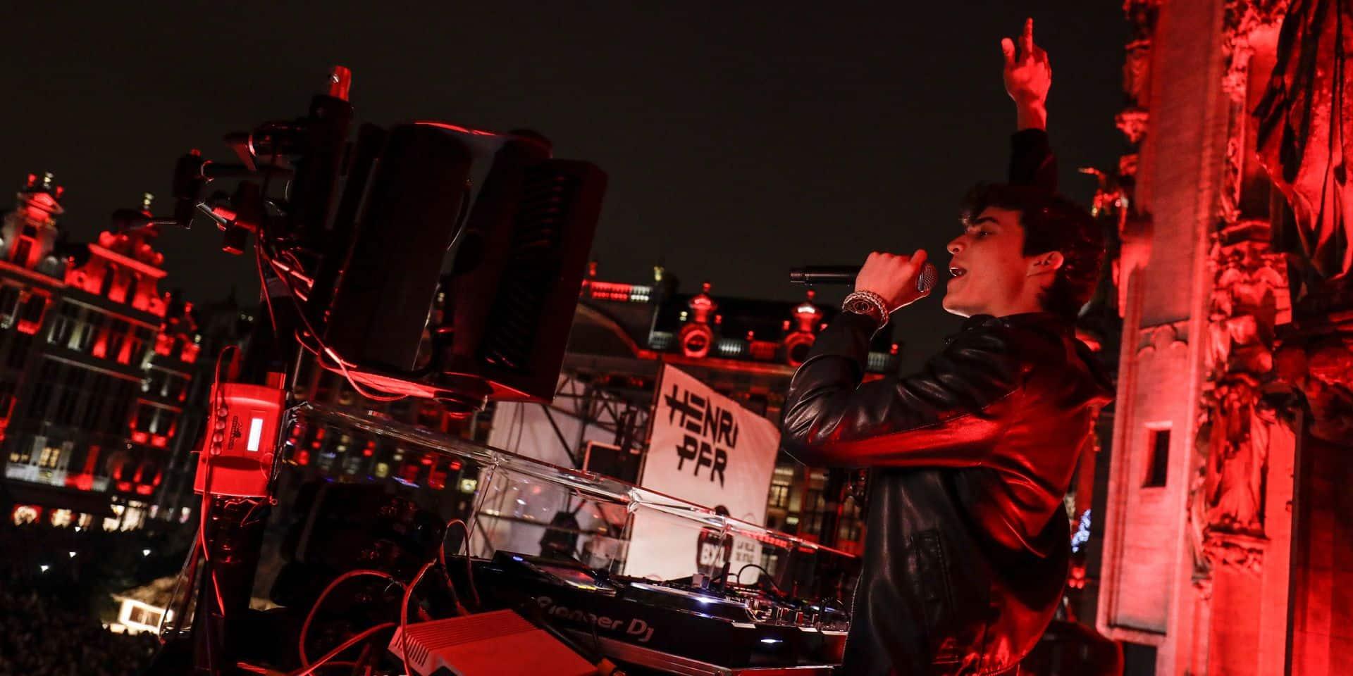 Un DJ set de Henri PFR au sommet de l'Atomium à l'occasion de la fête nationale