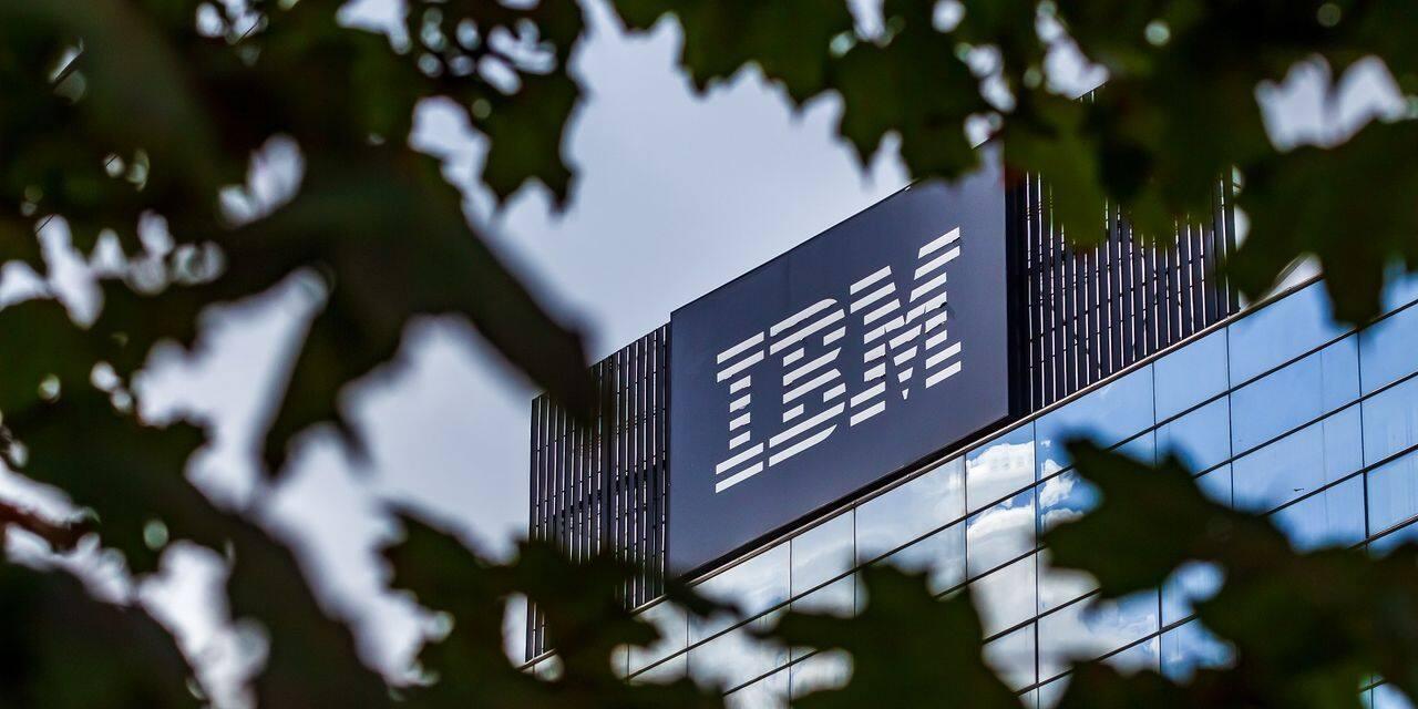 """IBM scinde ses activités d'infrastructures et se concentre sur le """"cloud"""""""
