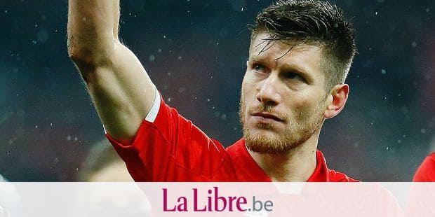 Standard's Sebastien Pocognoli celebrates after the Jupiler Pro League match between Standard de Liege and KAS Eupen, in Liege, Saturday 20 January 2018, on day 22 of the Jupiler Pro League, the Belgian soccer championship season 2017-2018. BELGA PHOTO BRUNO FAHY