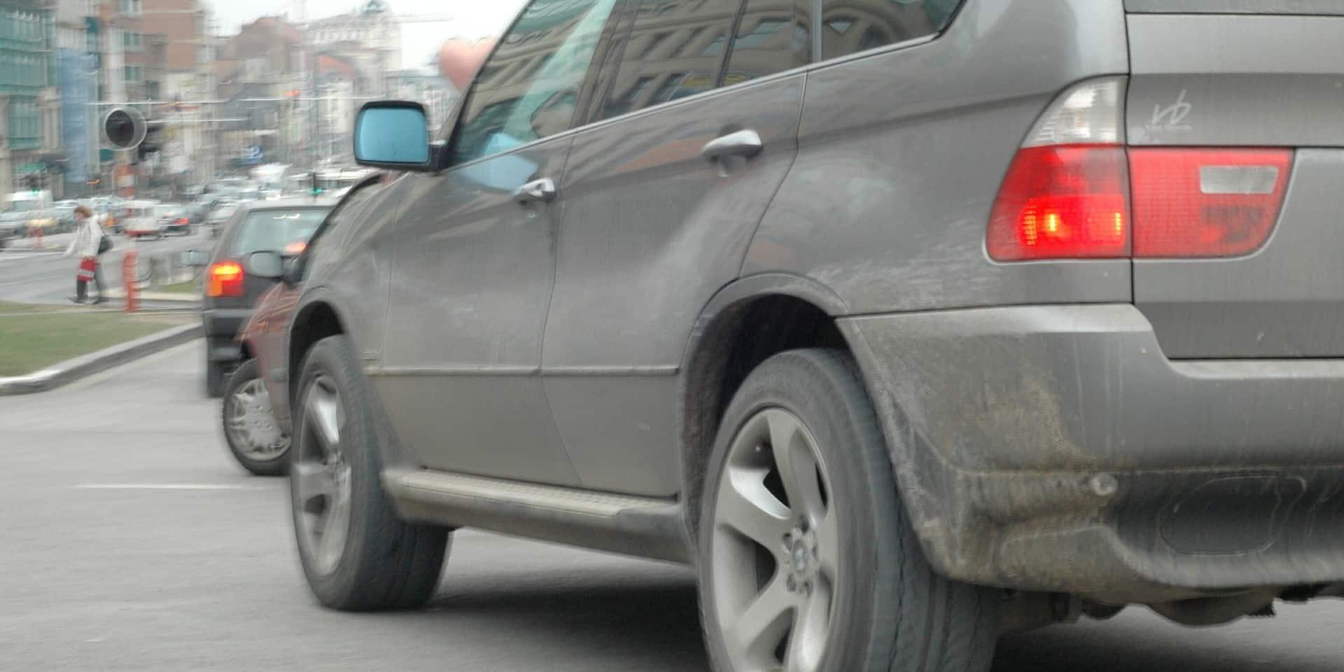Les verts veulent interdire les publicités pour les véhicules lourds et polluants