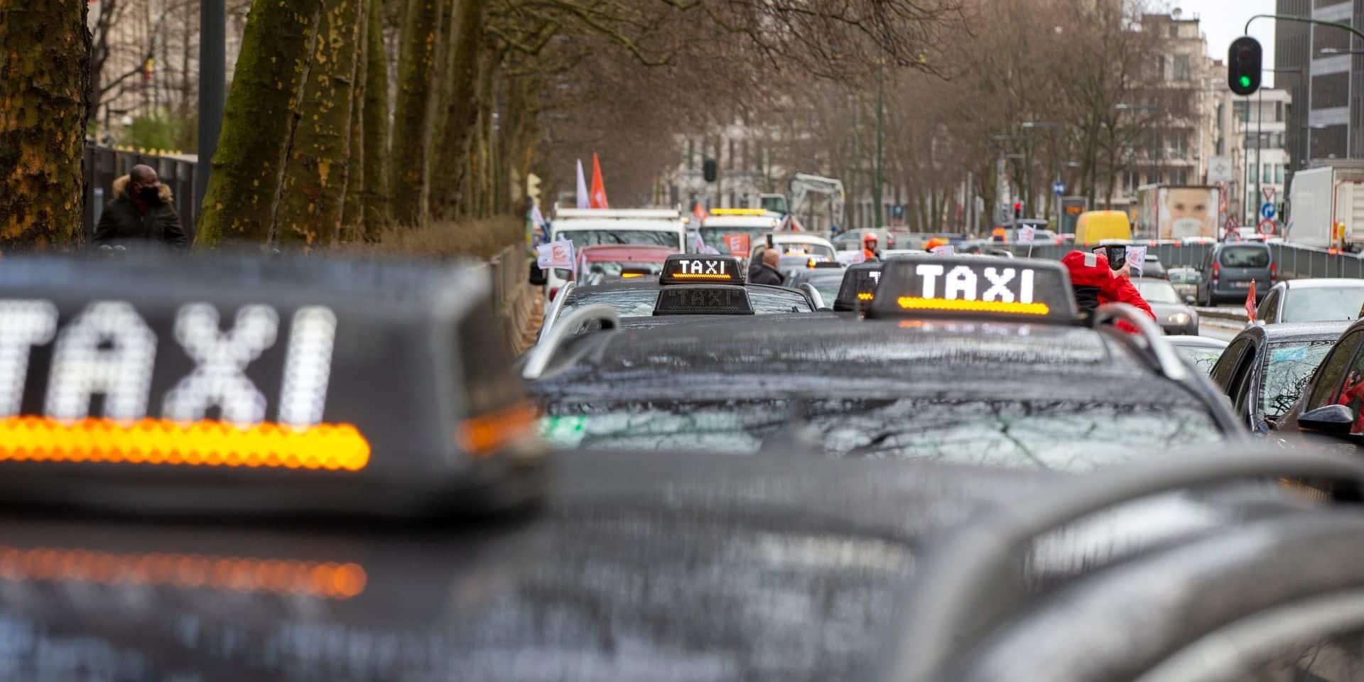 Les entreprises de taxis se retournent contre l'Etat belge et les Régions