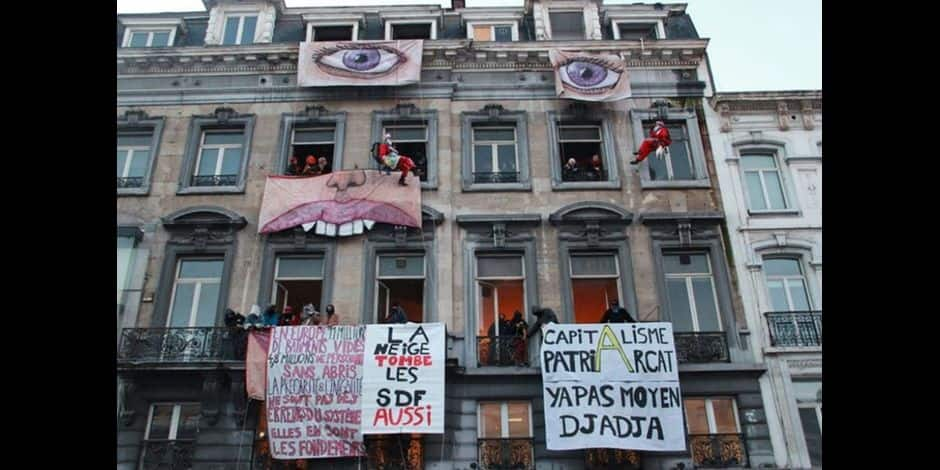 Occupation collective d'un immeuble vide place De Brouckère