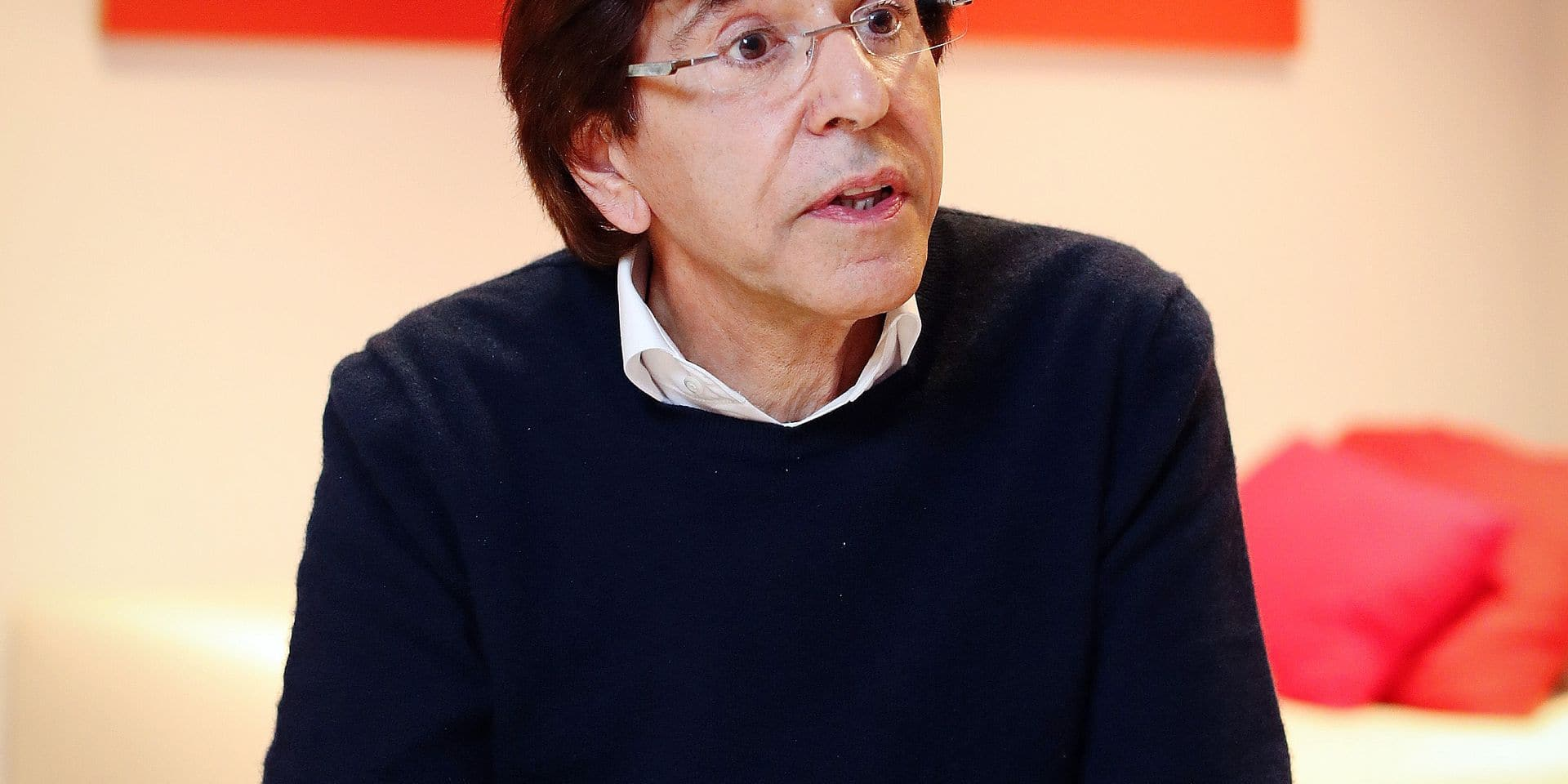 Photos Bernard Demoulin: Elio Di Rupo intervieuw au siege du PS