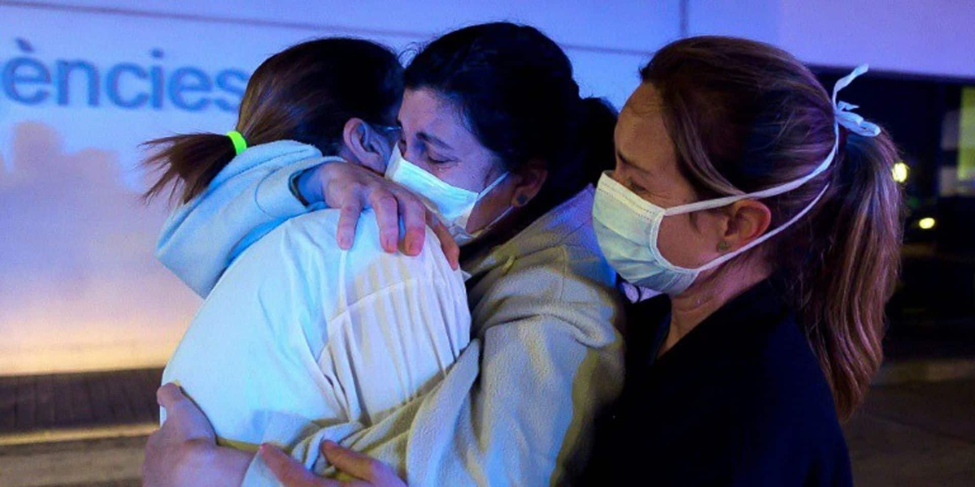 L'Espagne entame mercredi dix jours de deuil national en hommage aux victimes du coronavirus