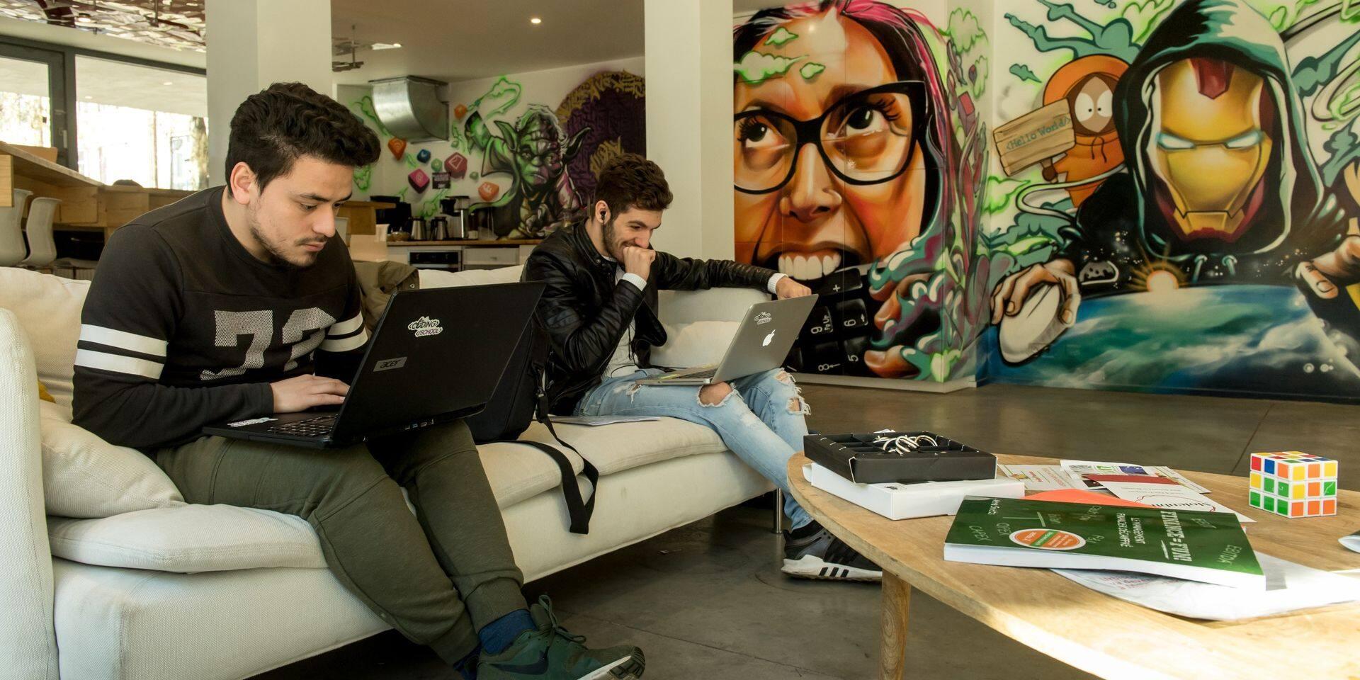 MolenGeek appelle les entreprises à donner des ordinateurs aux élèves qui n'en ont pas