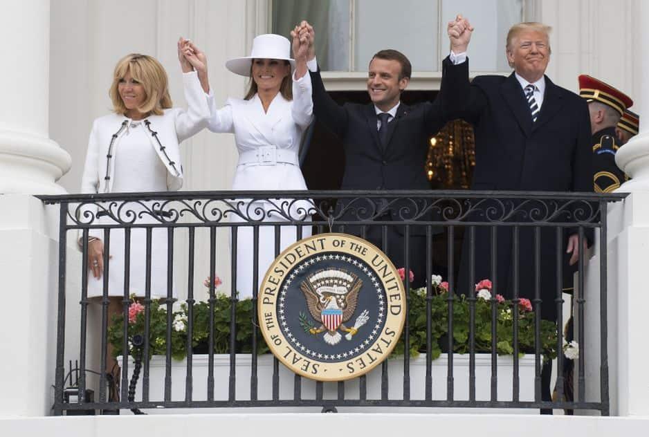 Une drôle d'idée signée Trump au balcon de la Maison Blanche.