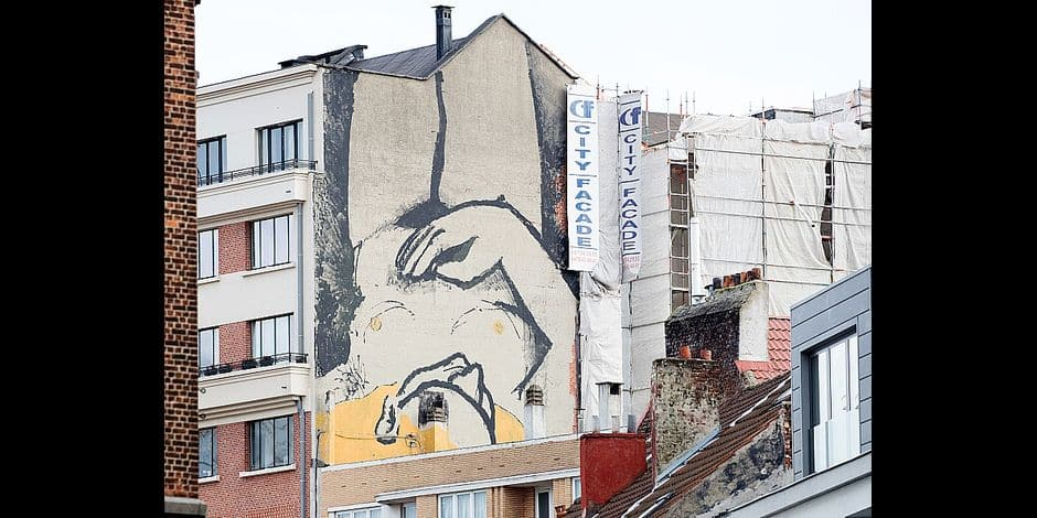Illustration shows a fresco of an unidentified author, displaying a naked woman, Monday 05 March 2018, on the back of a building of the 'Rue du Marche aux Porcs' - 'Varkensmarkt' in the streets of Brussels city center. BELGA PHOTO BENOIT DOPPAGNE