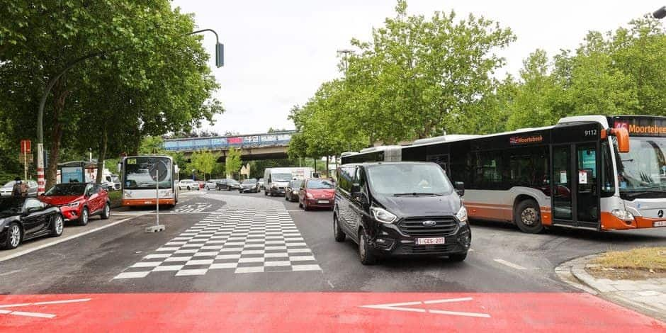 Bruxelles: une action d'automobilistes contre certaines pistes cyclables introduite ce mercredi
