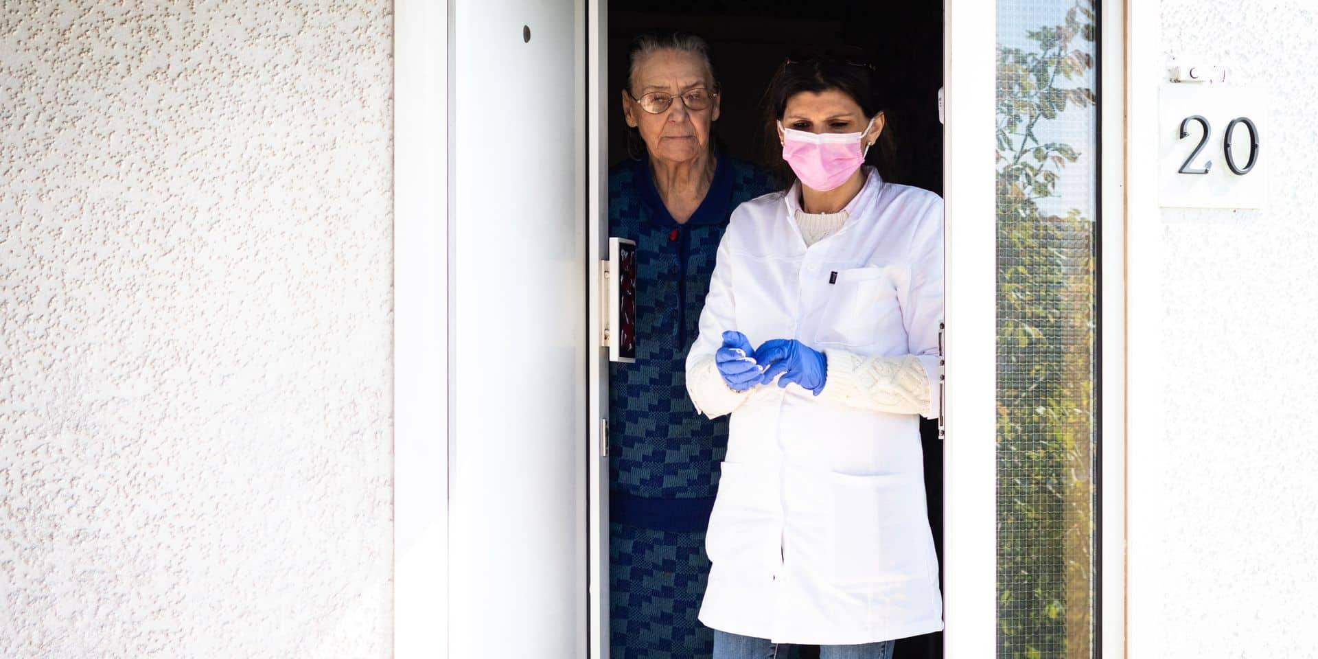 Attention aux faux tests Covid: la police fédérale met en garde contre des vols commis par de fausses infirmières
