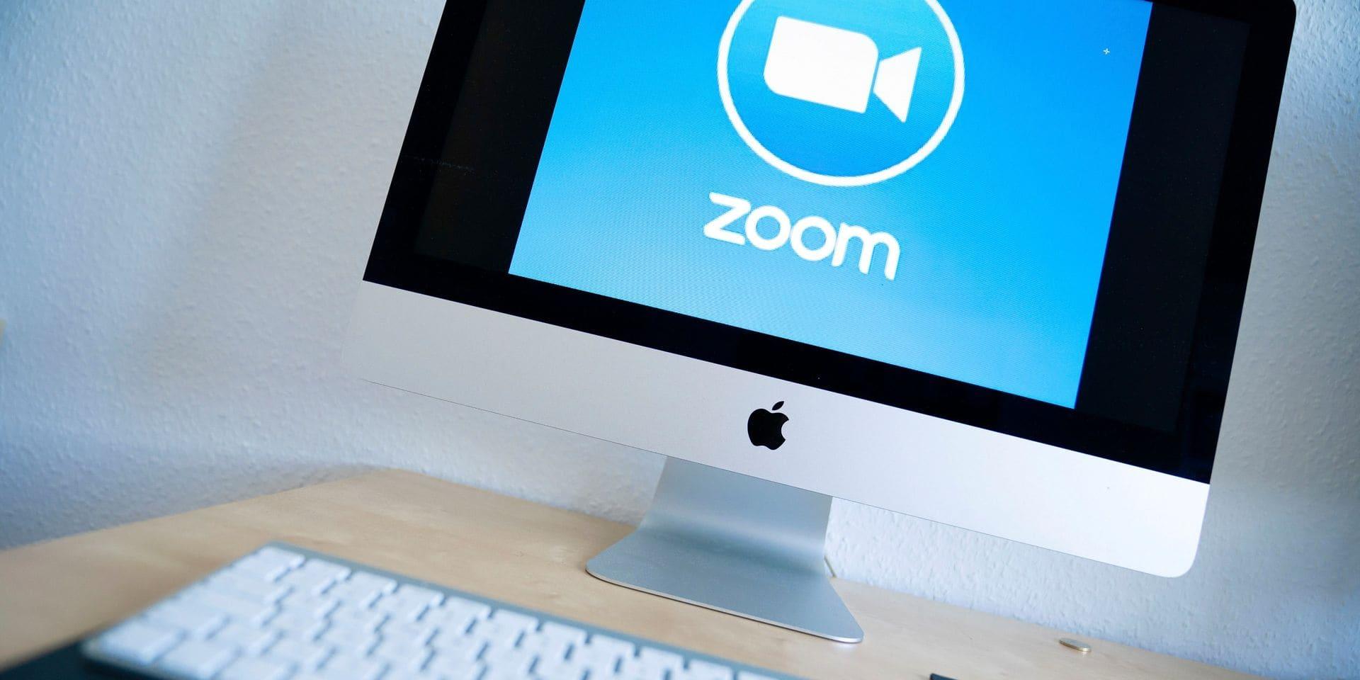 """Un fils tue son père en pleine réunion sur Zoom: """"Ils l'ont juste vu disparaître de l'écran puis ont entendu respirer difficilement"""""""