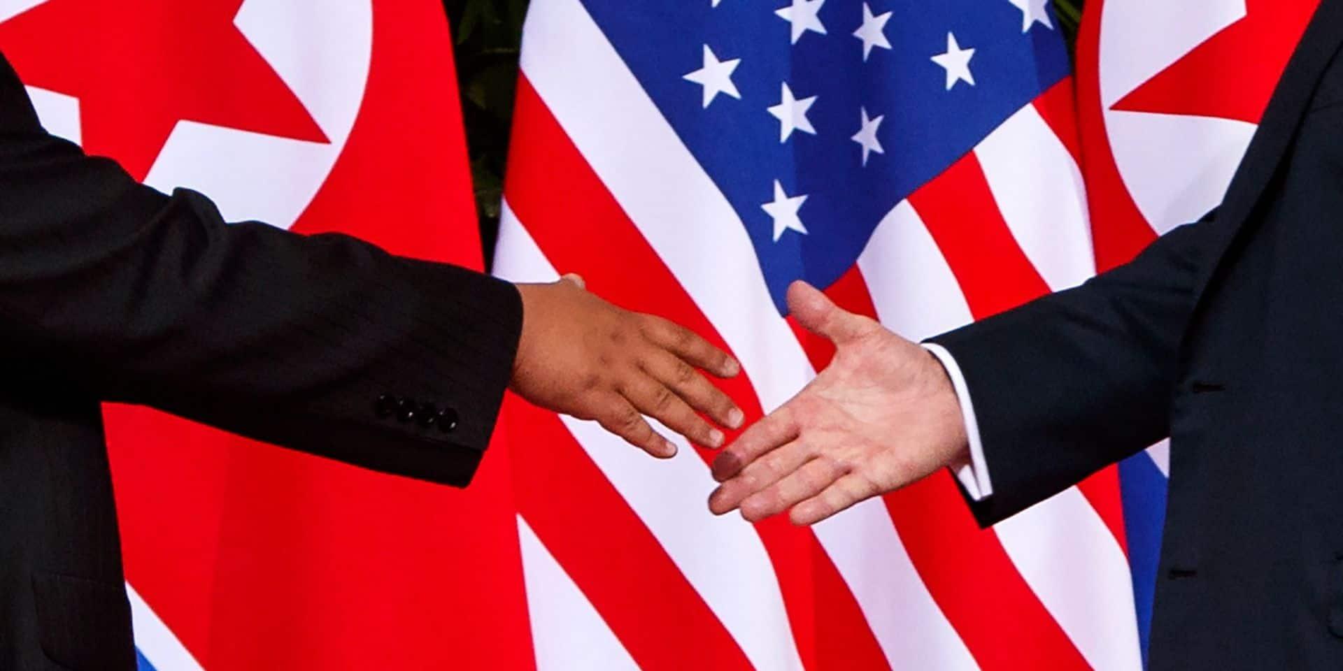 Une poignée de mains sous contrôle en Trump et Kim, et déjà de nombreuses critiques