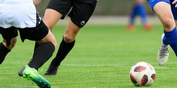 Une équipe de football allemande se sépare de 7 joueurs à cause de leurs saluts nazis - La Libre