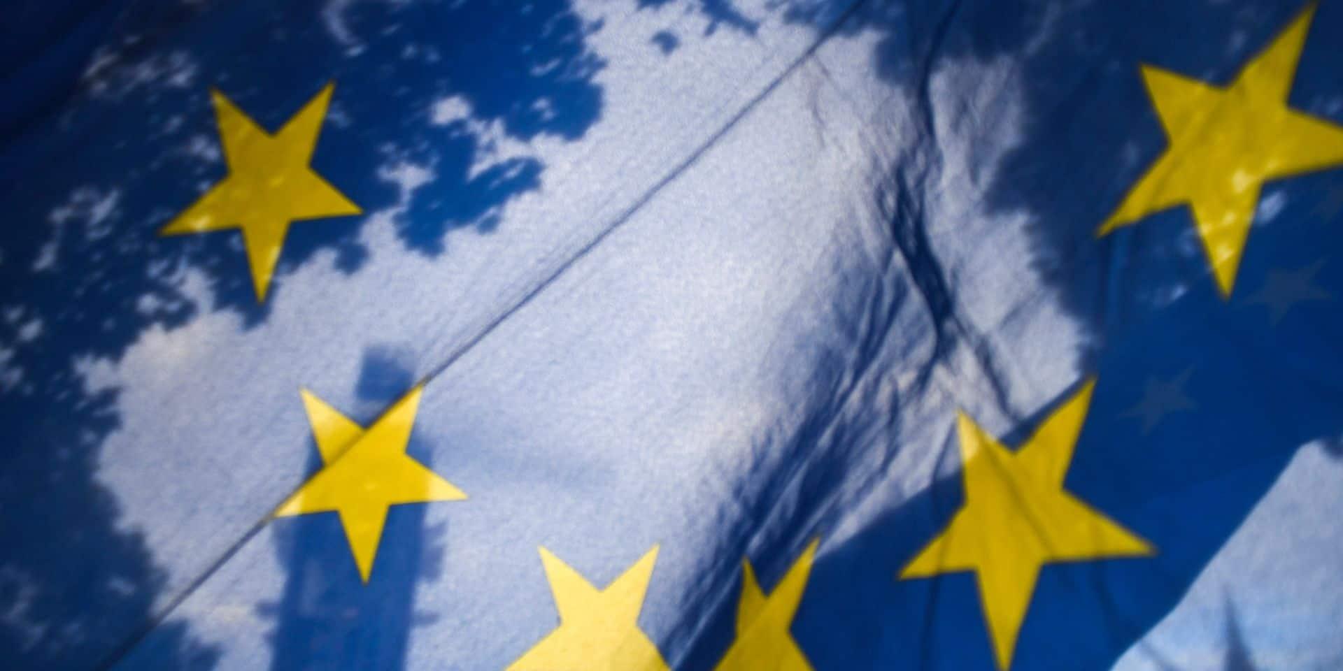 """""""Faux, blanchiment d'argent, corruption"""": des subsides européens détournés"""