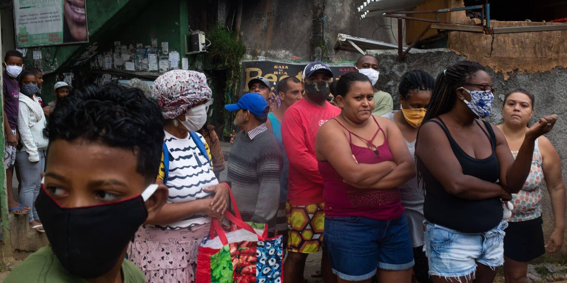Face au coronavirus, les favelas s'organisent pour survivre