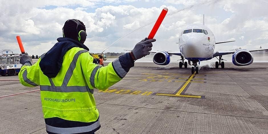 Les émissions de CO₂ des avions ont moins baissé en Belgique qu'ailleurs : voici pourquoi